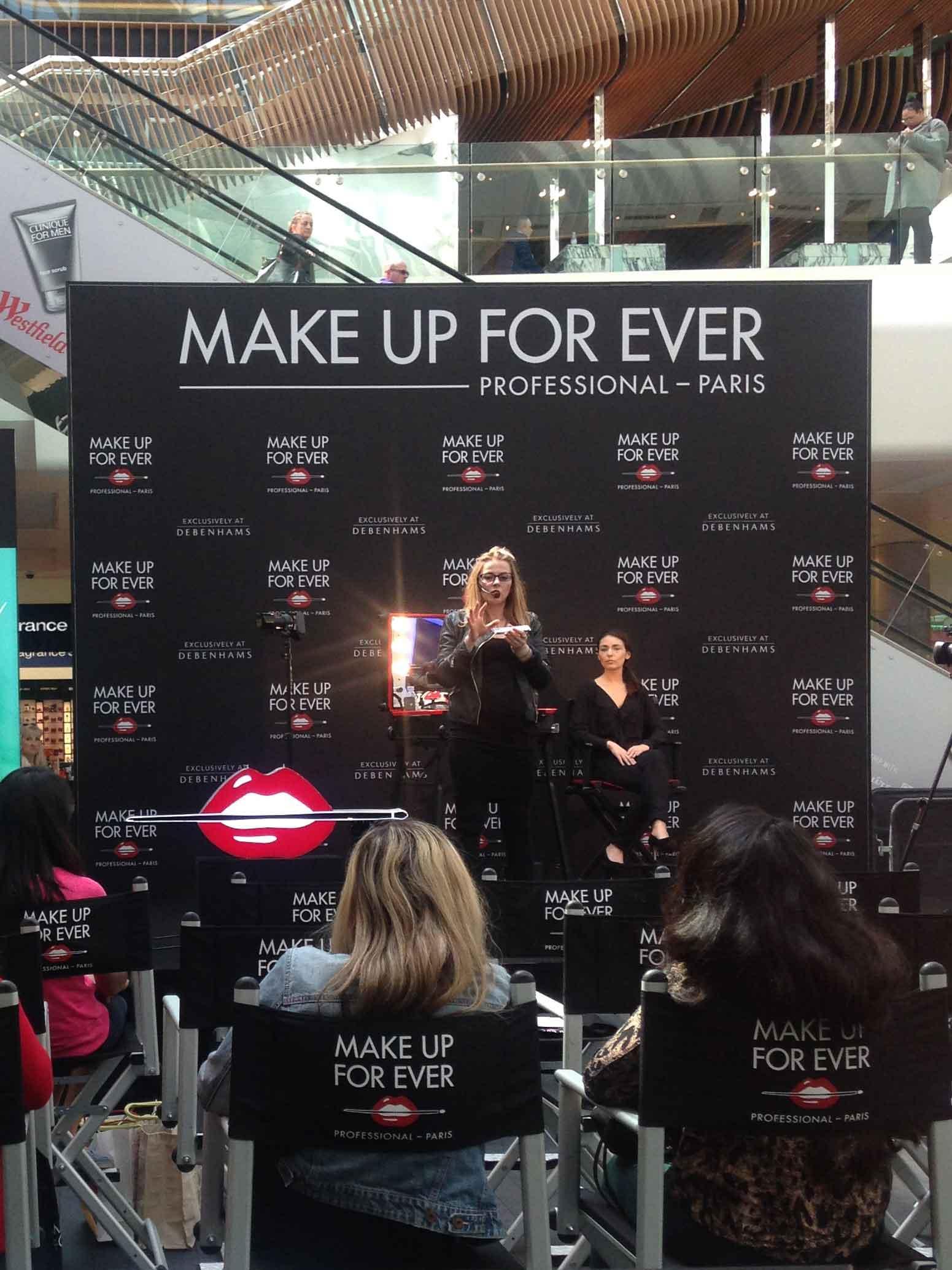 Londyn pokaz na scenie dla make up forever Katarzyna Zielińska